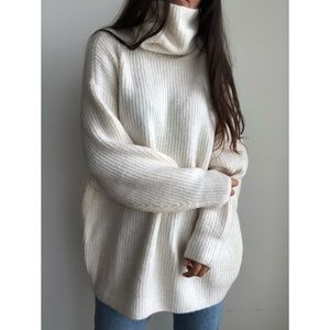 NWT Zara  knit cream turtleneck oversized sweater